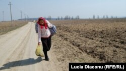 Schinoasa: un sat de romi, uitat de lume