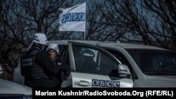 Спостерігачі моніторингової місії ОБСЄ на Донбасі, архівне фото