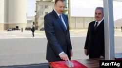 İlham Əliyev və Vasif Talıbov.