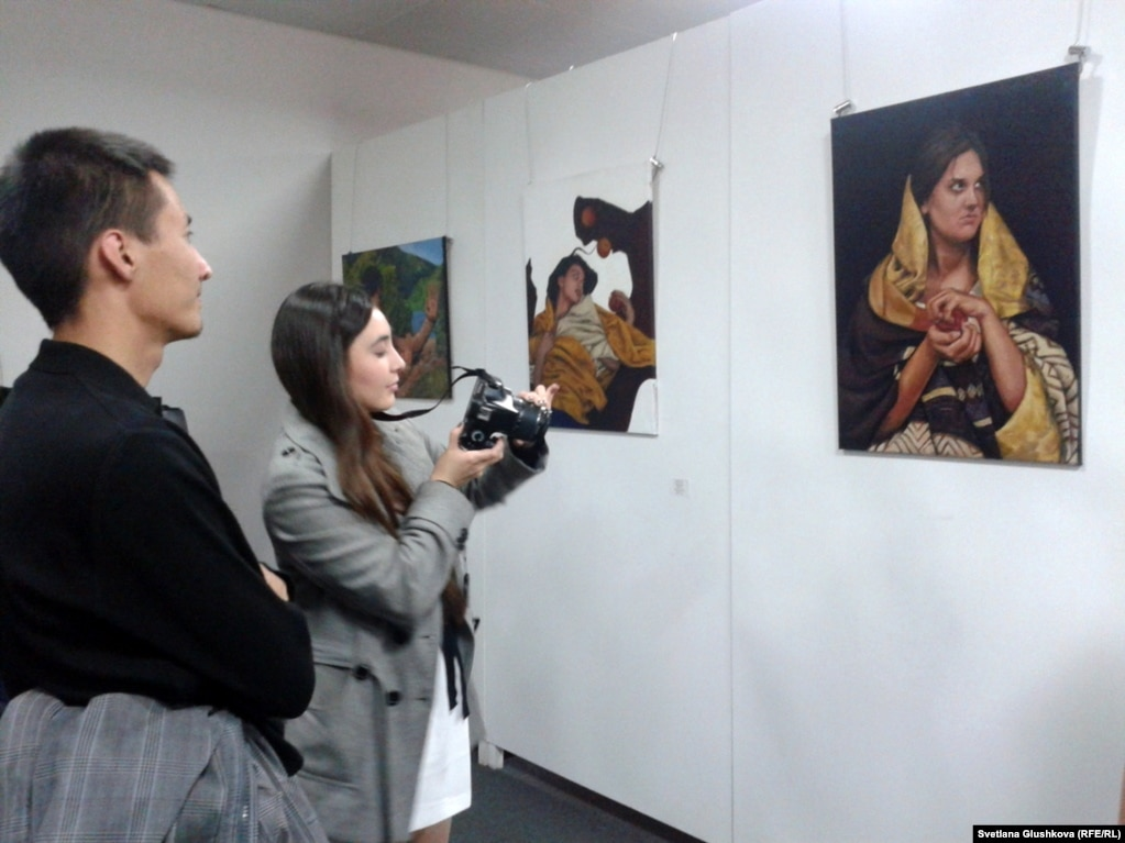 made in astana На выставке можно nbsp увидеть nbsp также дипломные работы выпускников колледжа Казахского национального университета