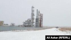 Нефтеперерабатывающее предприятие, в котором, по сообщениям, проходила операция силовиков. Актобе, 7 декабря 2016 года.