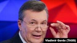 Спершу Януковича викликали на допит на 30 квітня