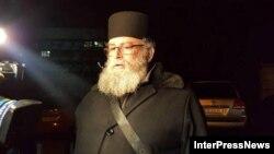 ბათუმის წმინდა ნიკოლოზის სახელობის ეკლესიის წინამძღვარი ნიკოლოზ გიგატაძე.