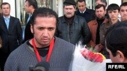 Толеъ Холназаров, вазнабардори маъруфи тоҷик