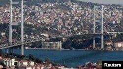 Türkmen migrant zenanyny işe çagyryp zorlan sud edilýär
