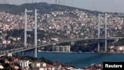 Стамбул көрінісі. (Көрнекі сурет.)