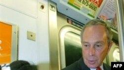 Человек-метро (справа) оказался на четверть вруном