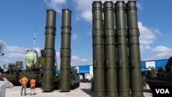 سامانه «اس ۳۰۰» در نمایشگاه تسلیحاتی مسکو