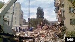 Астрахань қаласындағы тұрғын үйде болған жарылыстың орны. 22 маусым 2009 жыл.