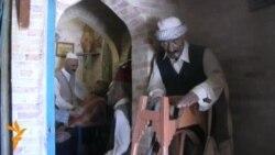 تماثيل تحاكي طقوس حياة البغداديين