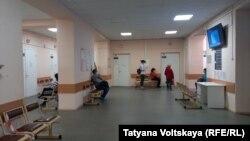 В Петербурге в очереди на вакцинацию в одном из пунктов – два человека
