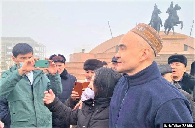 Макс Бокаев с соратниками, Атырау, 4 февраля 2021 года.