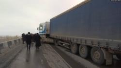 Кыргыз-тажик чек арасында карым-катнаш толук токтоду   БҮГҮН АЗАТТЫКТА   24.05.21