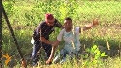 Migrantlar lagerden gaçýar