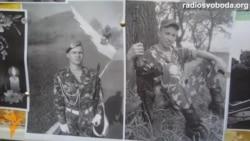 Фото загиблих у Луганську бійців поповнили стіну Небесної сотні в Дніпропетровську