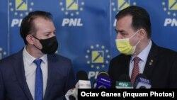 Congresul PNL îi aduce față în față pe Ludovic Orban, președintele Camerei și al partidului, și pe Florin Cîțu, premierul în funcție. Învinsul ar putea să-și piardă funcția. Imagine din 2021.