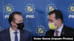 Duritatea mesajelor începe să crească în confruntarea din PNL, iar nervii cedează în mai multe organizații. Imagine cu candidații: Florin Cîțu (stânga) și Ludovic Orban (dreapta)
