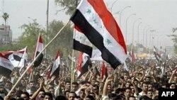 نوری المالکی، نخست وزير عراق روز يکشنبه با مقامات مذهبی و سياسی بصره تماس گرفت تا تظاهرات را برگزار نکنند.