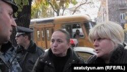 Խաղաղ պայմաններում մահացած զինծառայողների մայրերի հերթական բողոքի ակցիան, 19-ը նոյեմբերի, 2015թ․
