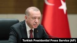 Президент Турции Реджеп Тайип Эрдоган на встрече с журналистами. Стамбул, 3 февраля 2020 года.