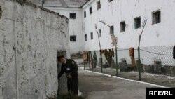 Penitenciarul Nr.13...