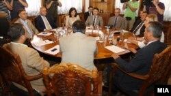 Координација за препораките на комисијата за 24 декември кај претседателот на Собранието Трајко Вељаноски.