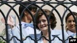 По мнению британских наблюдателей, Шери Блэр не стоило встречаться с российской оппозицией