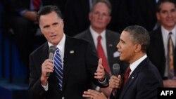 Obama (m) dhe Romney (d)