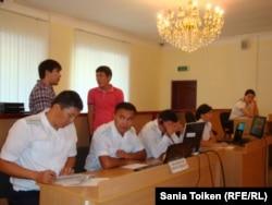 Прокуроры по делу Козлова, Сапаргали, Аминова в суде.