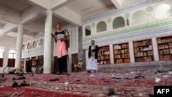 Бадр мечити жанкечтилердин бомба чабуулунан кийин. Сана шаары. 20-март, 2015 - жыл