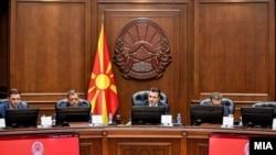 Бујар Османи, Кочо Анѓушев и Зоран Заев на седница на Влада