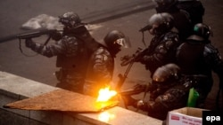 Бійці спецпідрозділу «Беркут» у центрі Києва, лютий 2014 року