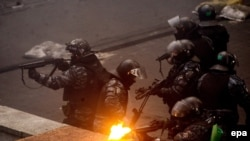 Бійці спецпідрозділу «Беркут» на Майдані у Києві в лютому 2014 року