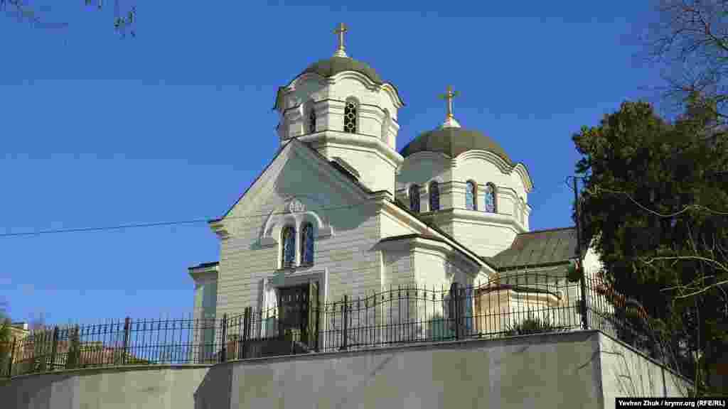 Православний храм Вознесіння Господнього на вулиці Челюскінців був зруйнований за допомогою танків у 1953 році, відбудований заново в період 2002-2014 років