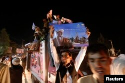Сторонники Ашрафа Гани в Кабуле уже отмечают победу
