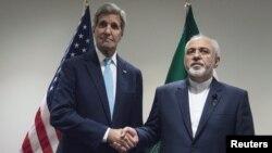وزرای امور خارجه ایران و آمریکا در سالهای اخیر بارها بر سر برنامه هستهای ایران با یکدیگر دیدار و گفتوگو کردند.
