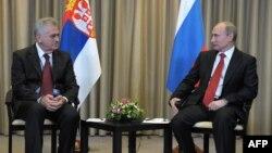 Президент Сербії Томислав Николич (ліворуч) і президент Росії Володимир Путін в Москві, 26 травня 2012 року