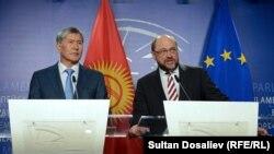 Президенти Алмазбек Атамбаев менен Европарламенттин башчысы Мартин Шульц. 26-март, 2015-жыл