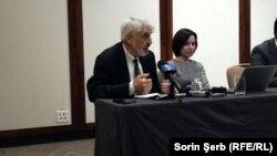 Vlad Socor alături de Maia Sandu la București