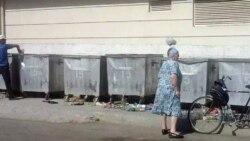 Türkmenistanda karton, plastik we reňkli metal toplaýanlar köpelýär