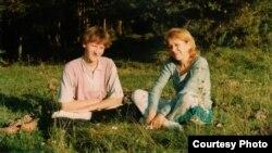 Ірына Фрэнкель з сынам Арцёмам. Архіўнае фота.