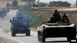 Վրաստան - Ռուսական զինուժի ավտոշարասյունը Գորիից Թբիլիսի ճանապարհին, օգոստոս, 2008թ.