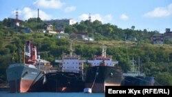 На катере от Графской пристани до Инкермана. Что можно увидеть по правому борту (фотогалерея)
