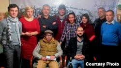 Azad Yazarlar Ocağının toplantısı, Namiq Hüseynli ön sırada sağdan birinci