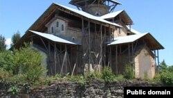 Вот уже много веков во дворе Лыхненского православного храма мужчины абхазской фамилии Шакрыл собираются на моление, которое многие века велось на этом месте