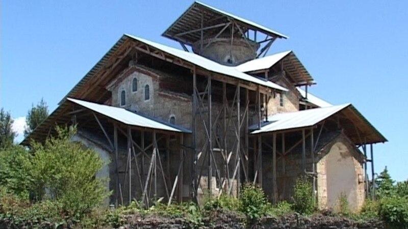 Абхазия: на месте древней грузинской церкви – российский военный полигон