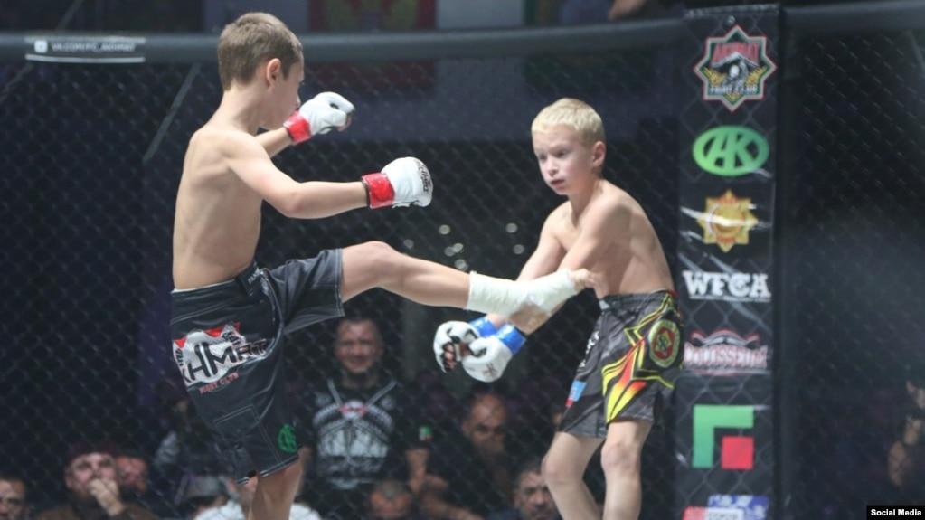 Лизбиянский бой на ринге фото 654-970