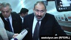 Armenia -- Acting PM Nikol Pashinian campaigns in Yerevan's subway, Yerevan, 05Dec2018