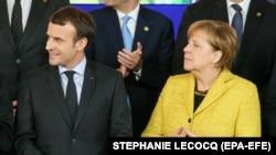 Президент Франции Эммануэль Макрон и германский канцлер Ангела Меркель.
