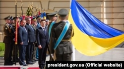 Во время церемонии представления президенту Владимиру Зеленскому командующих видов Вооруженных сил Украины и руководителей силовых ведомств. Киев, 20 мая 2019 года